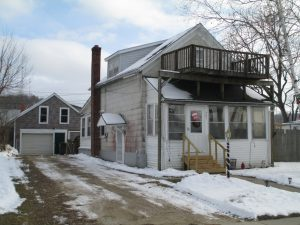 Featured Properties - Perfect starter or rental in Richland Center!